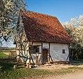 Hohenloher Freilandmuseum - Baugruppe Weinbauerndorf - Kleinhaus aus Oberstenfeld - mit Baumblüte.jpg
