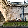 Homeless home on the right bank of the river Seine - panoramio (3).jpg