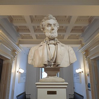 Vermont State House - The bust of Abraham Lincoln within the Hall of Inscriptions was a study by Larkin Goldsmith Mead for a larger statue installed at the Lincoln Tomb.