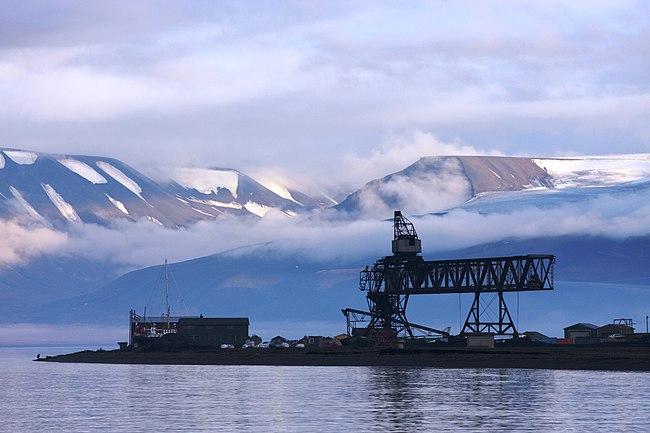 4: Hotellneset coal harbour area, Longyearbyen, Svalbard. Bjoertvedt