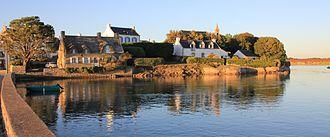 Belz, Morbihan - Image: Ile de Saint Cado 4381