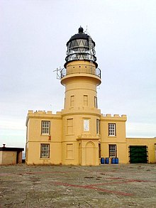 Inchkeith Lighthouse, Firth of Forth - geograph.org.uk - 924165.jpg