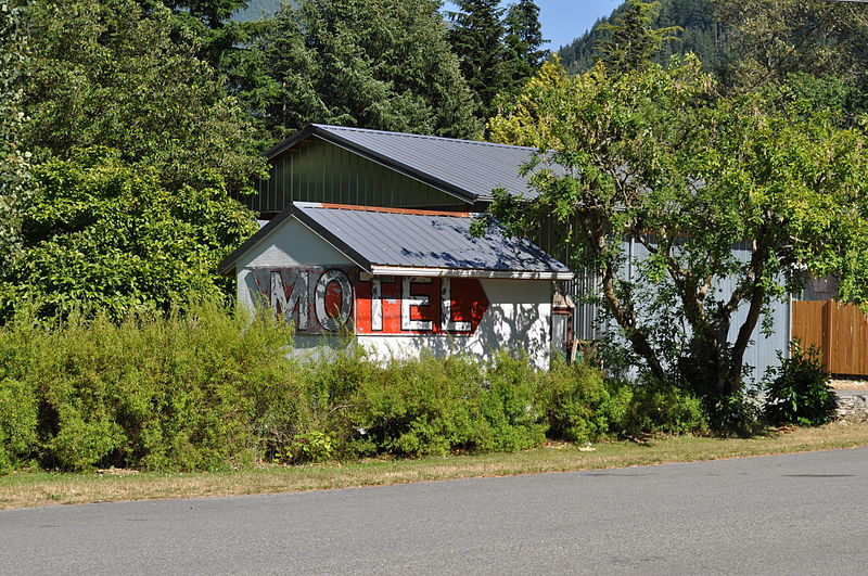 File:Index, WA - motel sign 01.jpg