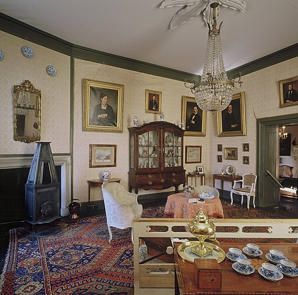 File interieur salon vaassen 20424437 for Interieur 607