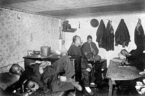 Opium den - Opium den in San Francisco boarding house, late 19th century