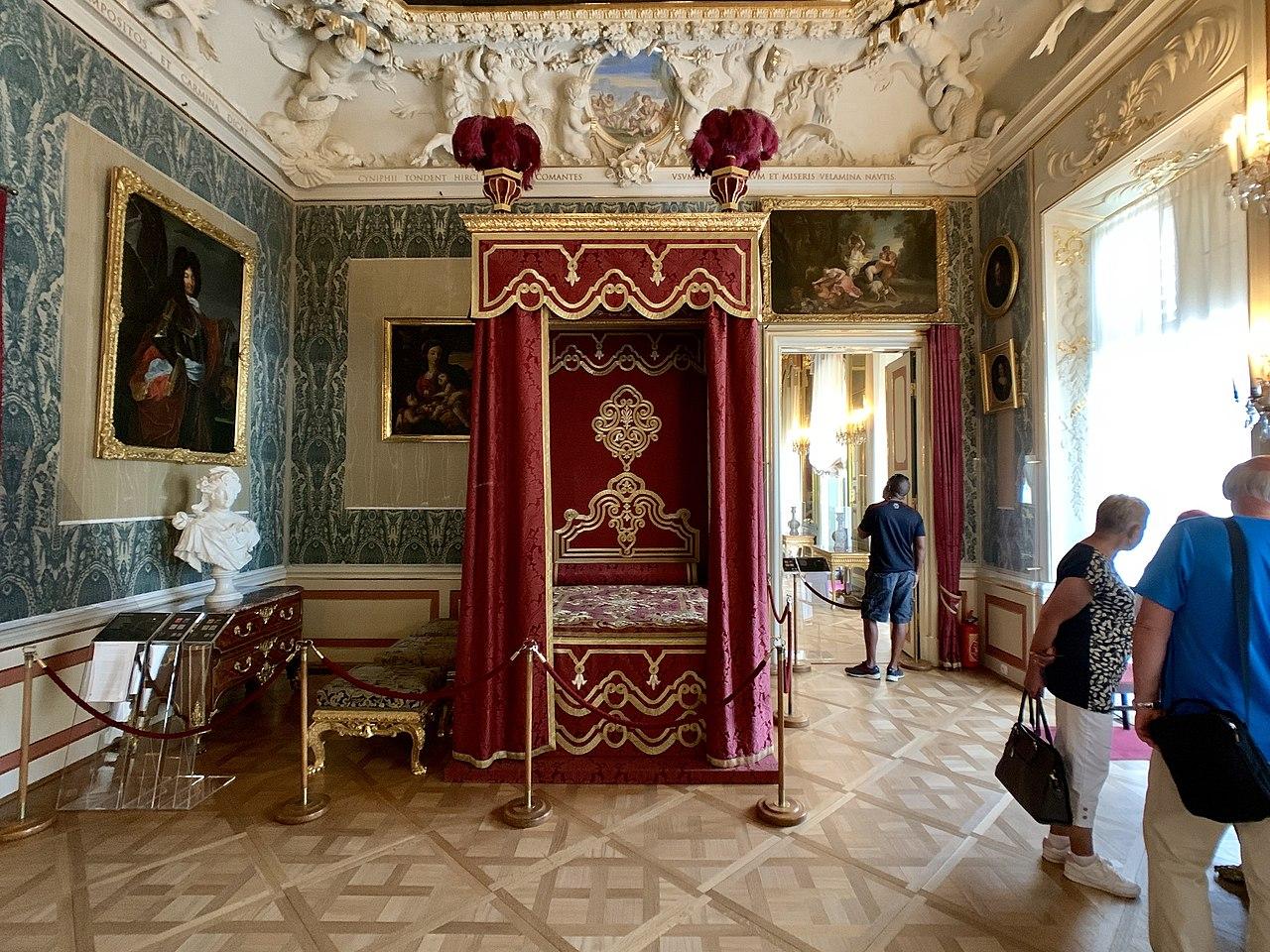 Interior of the Wilanów Palace, Warsaw, Poland 06.jpg