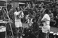 Internationale Tenniskampioenchappen, Melkhuisje, nummer en 20A Tom Okker (recht, Bestanddeelnr 926-5625.jpg