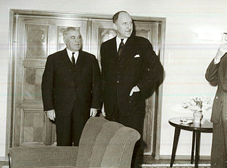 Joseph Luns - Luns (right) with Ion Gheorghe Maurer in 1967 in Romania.