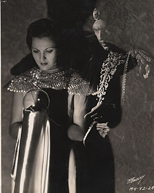 Irene Ware and Bela Lugosi in Chandu the Magician 1932.jpg
