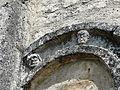 Jumilhac église portail décor (1).JPG