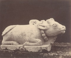 KITLV 87723 - Isidore van Kinsbergen - Sculpture of Nandi from the Dijeng plateau - Before 1900.tif