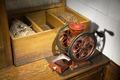Kaffekvarn Helbild i miljö - Hallwylska museet - 85991.tif