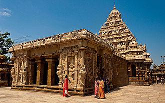 Pallava dynasty - Kailasanathar Temple, Kanchipuram, Tamil Nadu, 685-705
