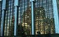 Kelet-Berlin, Schlossplatz (Marx Engels Platz), Köztársasági Palota, az üvegen a Dóm tükröződik. Fortepan 100650.jpg