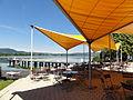 Kochel am See - Trimini-Schwimmbad, Badesteg und Cafeteria.JPG