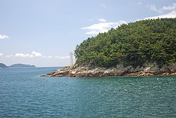 Korea-Tongyeong-Chubongdo-Lighthouse-01.jpg