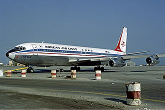 Korean Air Flight 858 - Image: Korean Air Lines Boeing 707 Fitzgerald