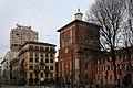 La Basilica di San Nazaro in Brolo, Milano, veduta del complesso con la Torre Velasca sullo sfondo.jpg