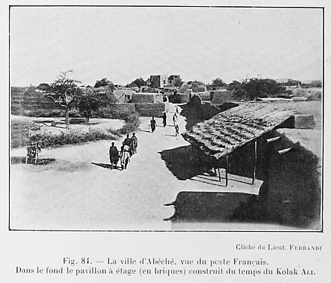Abeche, capital of Wadai, in 1918 after the French had taken over La ville d'Abeche, vue du poste Francais.jpg