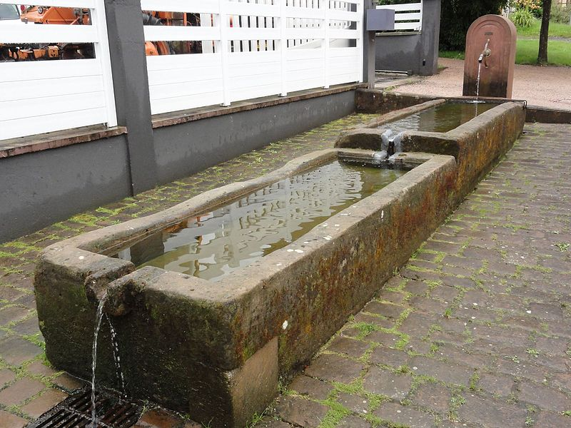 Lachapelle (M-et-M) fontaine A