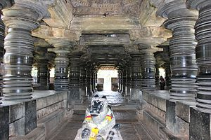 Amrutesvara Temple, Amruthapura - Open mantapa (hall) with shining, lathe-turned pillars in Amrutesvara temple at  Amruthapura
