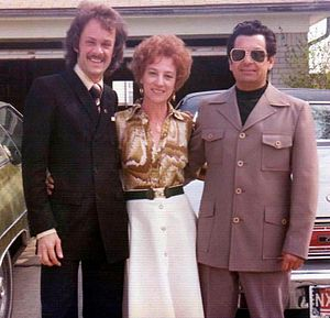 Leisure suit - Examples of the leisure suit based on the safari jacket, 1976
