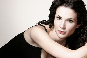 Laura Mennell - Image: Laura Mennell
