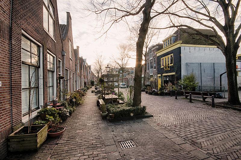 800px-Leiden_Uiterstegracht.jpg
