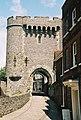Lewes, Castle Gate - geograph.org.uk - 483266.jpg