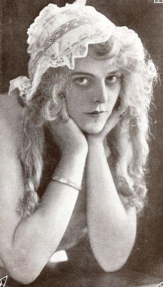 Lillian Worth - Worth in 1914