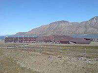 Longyearbyen UNIS.JPG