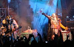 I Lordi cantano It Snows In Hell all'Barcelona 2009.