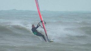 File:Lulu windsurfing alex pe val Constanta 2015.webm