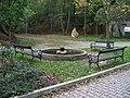 Lysolaje, fontána pod Houslemi.jpg