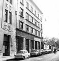 Mátyás utca a Lónyay (Szamuely) utcától a Közraktár utca felé fényképezve, bal oldalon a még meglévő Mátyás u. 5-b. (Lónyay utcai sarokház) széle. Fortepan 17362.jpg
