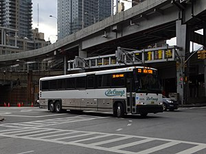 DeCamp Bus Lines - Image: MCI D4500CT Route 33