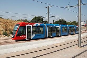 Metro Ligero - Image: Madrid Metro Ligero (línea 3) Colonia Jardín 20070804a