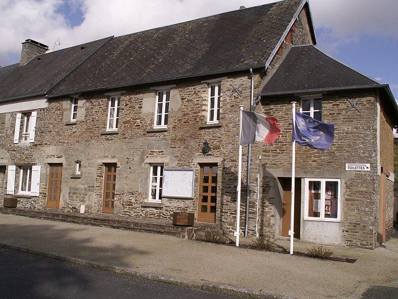 Mairie de Sainte-Suzanne-sur-Vire, Manche, France.