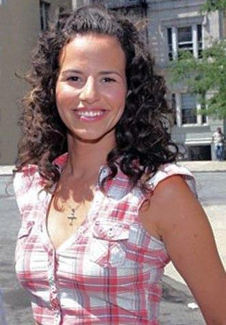 Mandy Gonzalez - Image: Mandy Gonzalez cropped