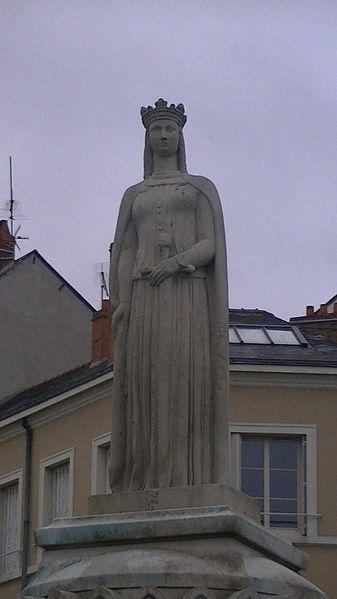 File:Margaret of Anjou statue Angers.jpg
