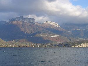 Menthon-Saint-Bernard - Menthon-Saint-Bernard seen from the lac d'Annecy