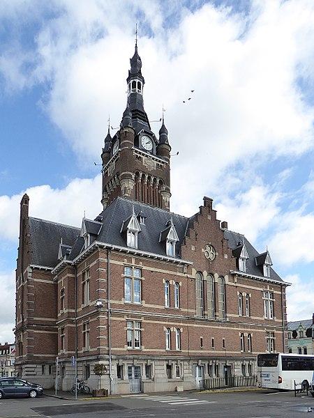 Le beffroi et l'hôtel de ville de Merville (Nord).- Beffrois du Nord-Pas-de-Calais,France