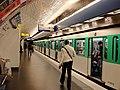 Metro de Paris - Ligne 2 - Place de Clichy 03.jpg