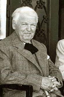 Mihail Sadoveanu - Wikipedia