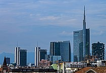 Milan skyline with Unicredit Tower and Bosco Verticale.jpg