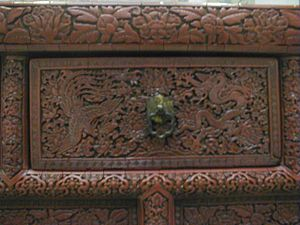 Chinese lacquerware table - Detail of a drawer