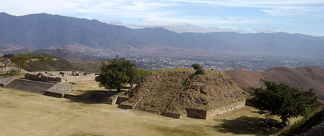Monte Albán-12-05oaxaca034