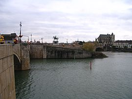 Bridges over rivers Seine (foreground), Yonne (background) and statue of Napoléon