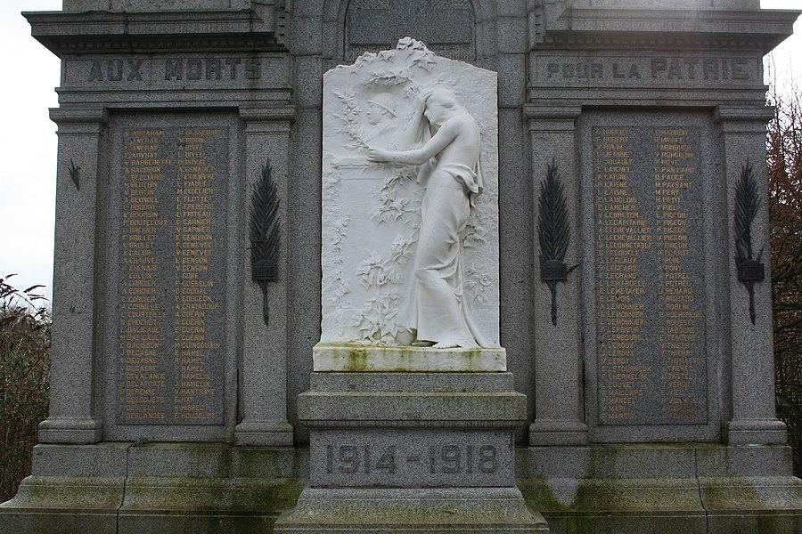 Monument aux mort de Saint-Hilaire-du-Hacouët, Manche, France
