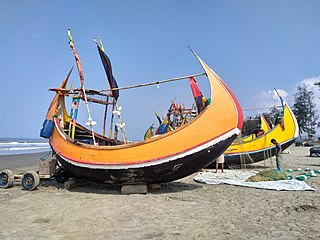 Moon boat at Teknaf sea beach 05.jpg